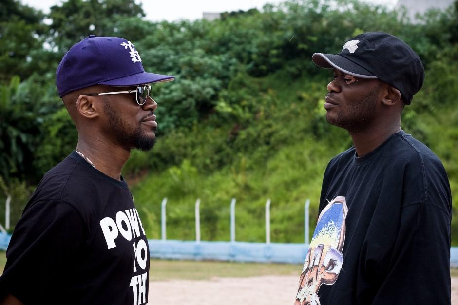Um olha no olho do outro e acabam por ver um pouco do futuro do rap nacional